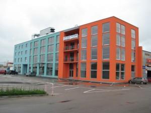 Alumiinium- ja PVC aknad ja uksed, Ärihoone Tallinnas